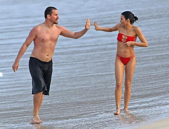 Takhle si její zamilovaní rodiče užívali na Havaji v únoru tohoto roku.