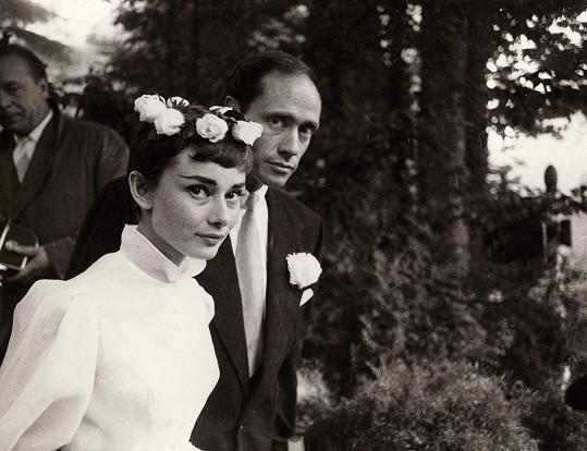 Audrey se poprvé vdávala v roce 1954 na vrcholu slávy za filmového herce Mela Ferrera.