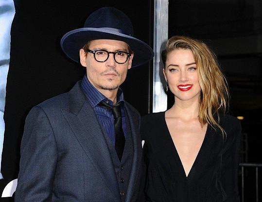 Manželství s Amber Heard skončilo válkou.