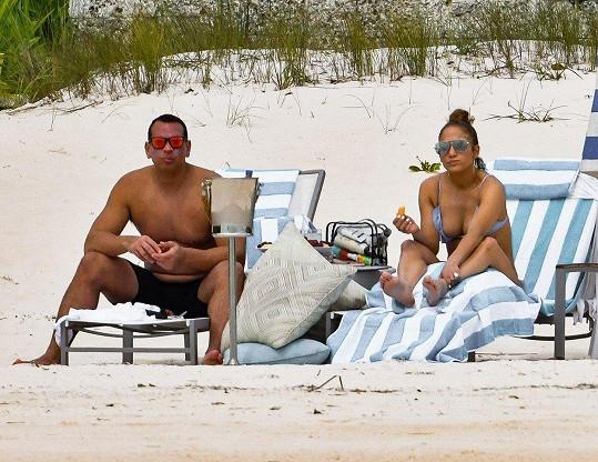 Jennifer a Alex Rodriguez se během exotické dovolené zasnoubili.