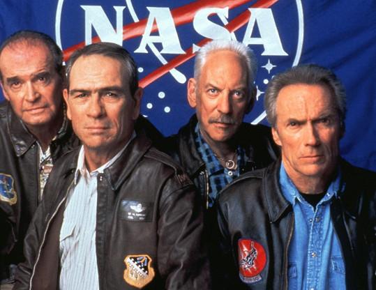 Vesmírní kovbojové, zleva: James Garner, Tommy Lee Jones, Donald Sutherland, Clint Eastwood
