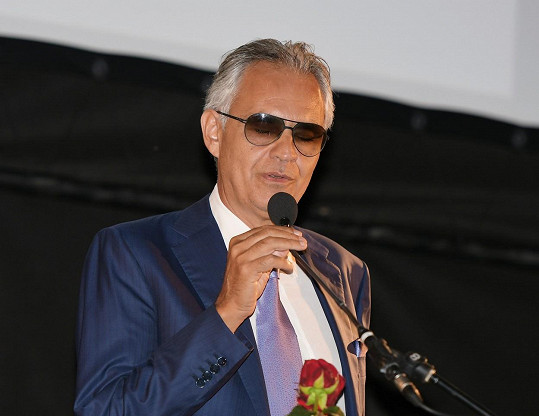 Andrea Bocelli se nakazil v březnu, neměl téměř žádné příznaky a rychle se zotavil.