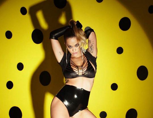 Rita Ora zpestřila adventní kalendář Love