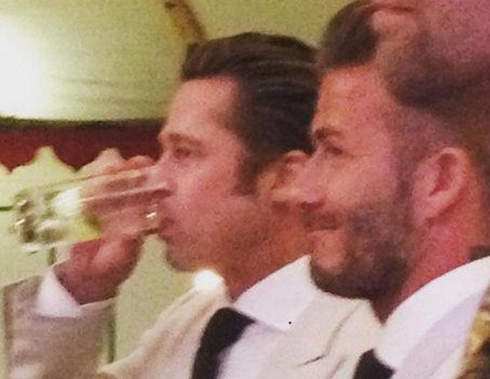 Na svatbu dorazili i Brad Pitt a David Beckham.
