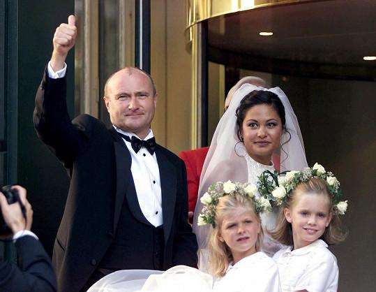 Dvojice se brala v roce 1999, odděleně žila od roku 2006 a po dalších dvou letech se rozvedli.
