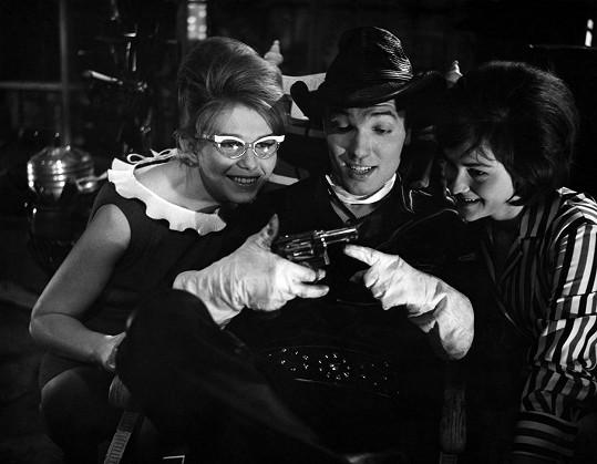Jako Zdvořilý kovboj Woody, spolu s Janou Malknechtovou a Pavlínou Filipovskou. Počátek 60. let