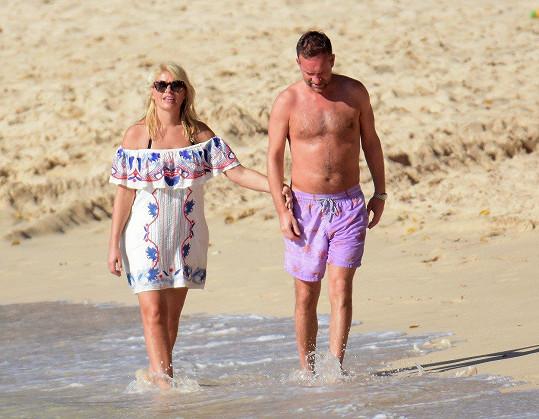 Holly Willoughby má s manželem Danielem tři děti.