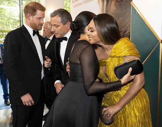Spolupráci Meghan dohodl Harry na londýnské premiéře Lvího krále.