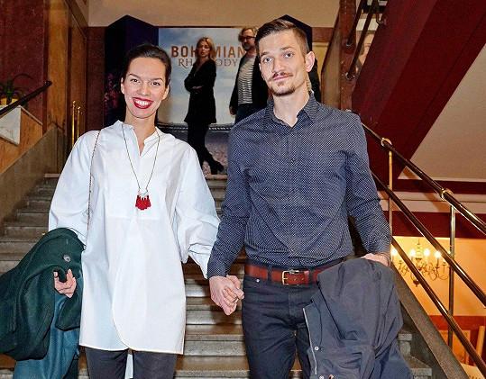 Radka Pavlovčinová se na premiéře s pohledným přítelem vedla za ruku.
