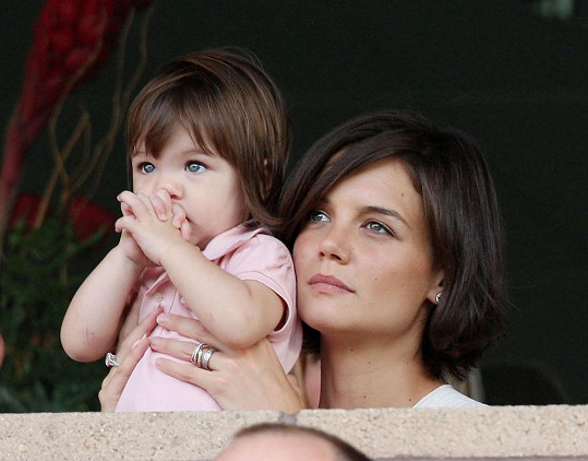 Malá Suri a její maminka Katie Holmes