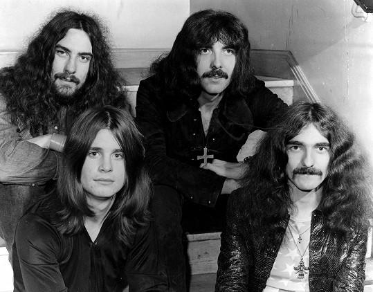 Od roku 1968 do roku 2017 působil Ozzy ve skupině Black Sabbath.