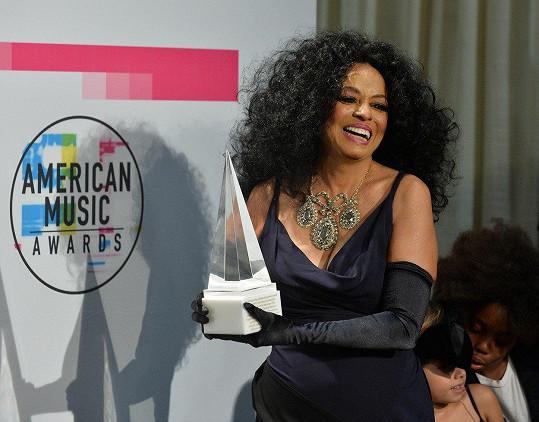 Diana Ross převzala cenu za celoživotní přínos v oblasti populární hudby.