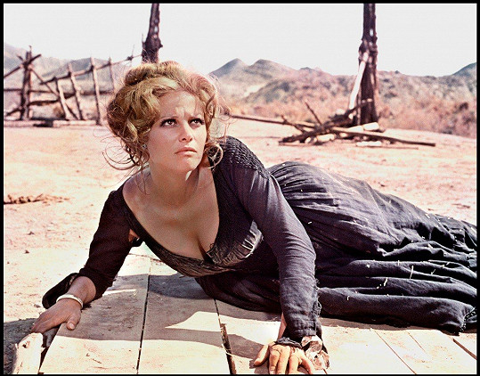 Claudia Cardinale ve filmu Tenkrát na Západě (1968)