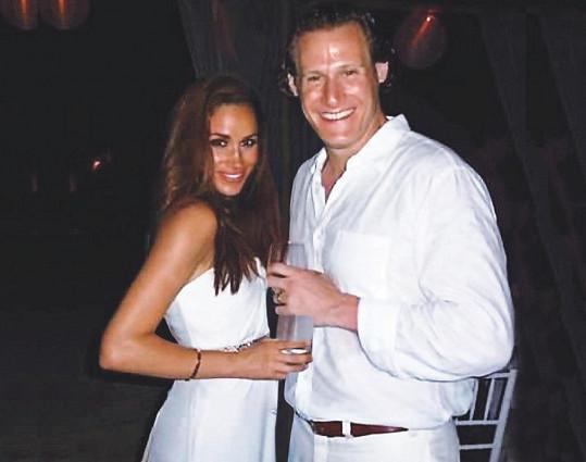 Svatební fotka z Jamajky, kde si Meghan Trevora vzala.