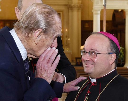 """""""Řeknu vám tajemství, jsme tu všichni křesťané,"""" zašeptal římskokatolickému arcibiskupovi Malty."""