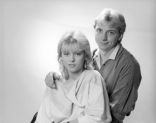 Iveta Bartošová a Petr Sepéši. Úspěch této dvojice po dvou letech přerušila Petrova tragická smrt.