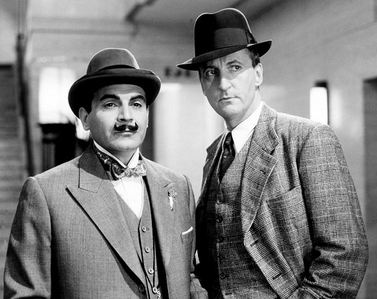 David Suchet a Hugh Fraser v seriálu Hercule Poirot