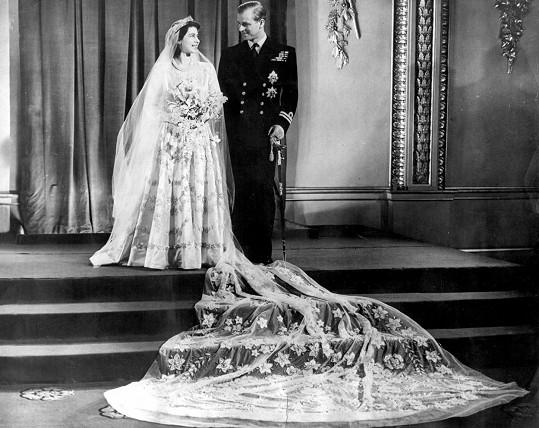 Dětská přezdívka královně už zůstala. Svou ženu jako Lilibet oslovoval i princ Philip.