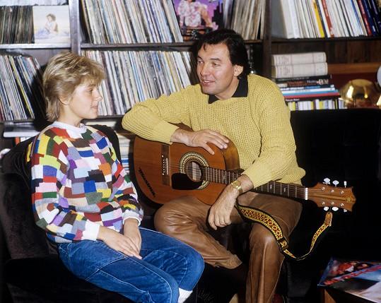 Darinka a Karel Gott nazpívali slavný hit v roce 1984.