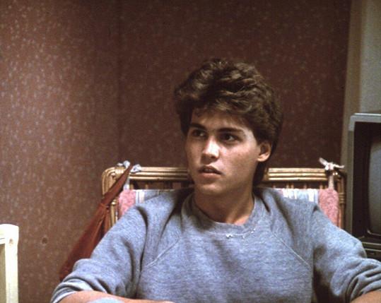 Johnny Depp odstartoval kariéru hororem Noční můra v Elm Street (1984)