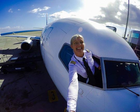 Maria Pettersson je nejpopulárnější pilotkou na světě.