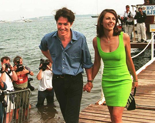 Zapojila se v devadesátých letech, tehdy byl jejím partnerem Hugh Grant.