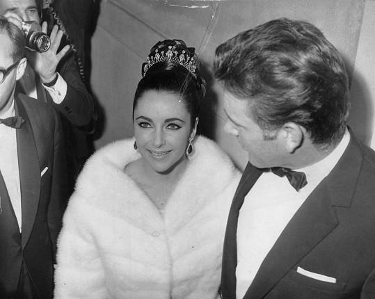 Elizabeth Taylor v roce 1963