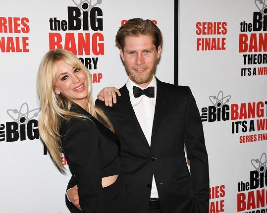 Manželství jim nevyšlo. Kaley Cuoco a Karl Cook oznámili rozvod.