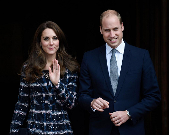 Kate a William prý očekávají holčičku.
