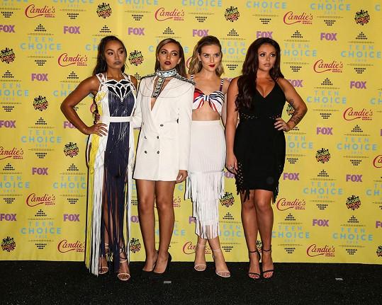 Jesy Nelson s kolegyněmi z kapely Little Mix