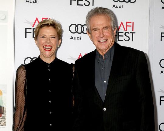 Annette Bening a Warren Beatty žijí šťastně v manželském svazku už 24 let.