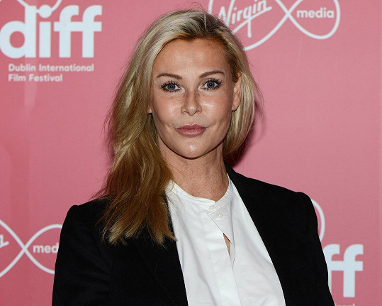 Kromě herectví se věnovala také modelingu, zahrála si v bondovce Vyhlídka na vraždu.