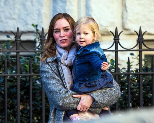Emily s dcerkou Hazel, která v polovině února oslaví druhé narozeniny.