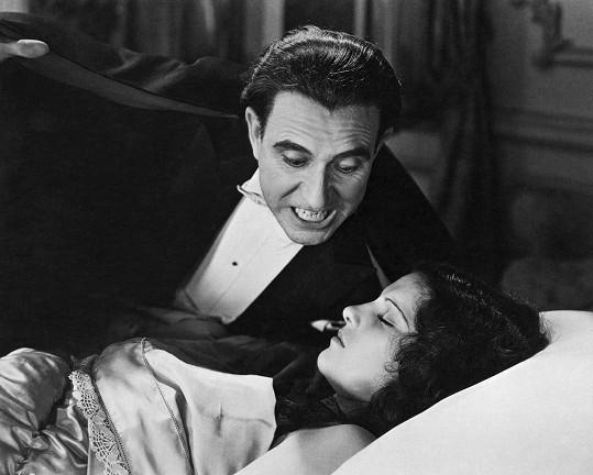 Lupita Tovar ve španělské verzi filmu Dracula (1931).