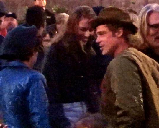 Brada Pitta vyfotili na koncertě s Nicole Poturalski už před devíti měsíci.