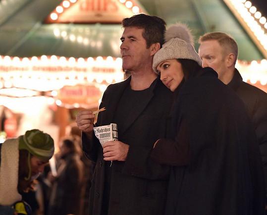 Simon Cowell a jeho partnerka Lauren Silverman
