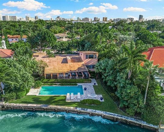 Cindy Crawford a Rande Gerber si koupili dům v Miami.