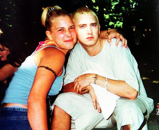 Rapper s exmanželkou Kim, jejíž dvojče Dawn byla nazelena mrtvá.