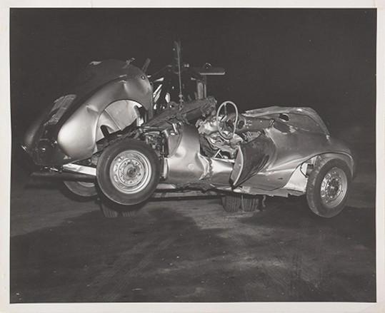 Ta se mu 30. září 1955 stala osudnou, zahynul při jízdě ve svém Porsche.