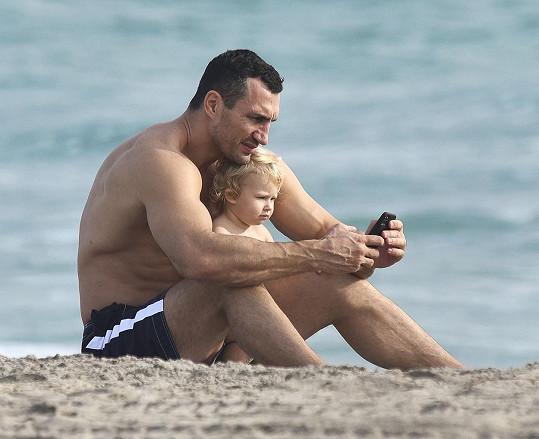 Vladimir s Kayou na pláži