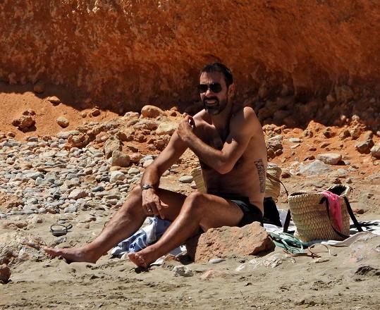 Pirès vše bedlivě sledoval z pláže.