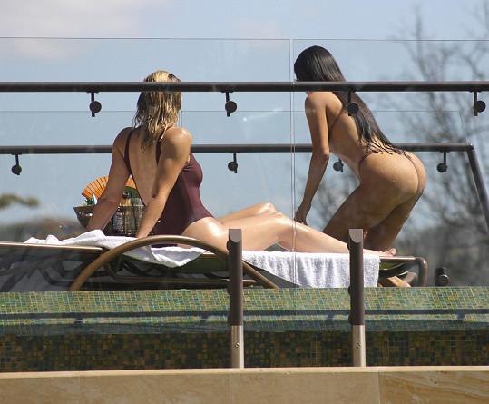 Kardashianky vyrazila do Kostariky.