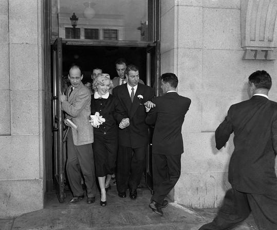 Její druhá svatba s DiMaggiem byla v Americe senzací. Manželství nevydrželo ani rok.