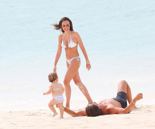 Tamara Ecclestone vzala rodinku na Bahamy.