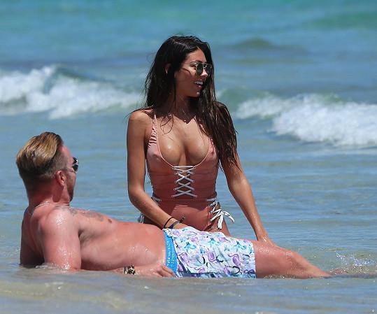 Záložník Tottenhamu Jamie O'Hara (30) s modelkou Elizabeth-Jayne Tierney (25)