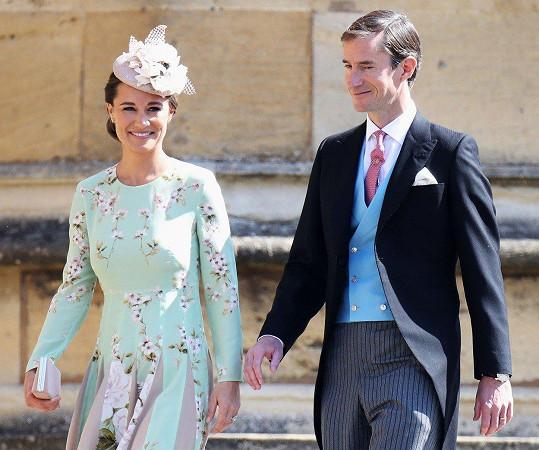Pippa a James na svatbě Harryho a Meghan