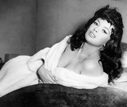 Jayne Mansfield si tmavou paruku zkusila pouze ve filmu.