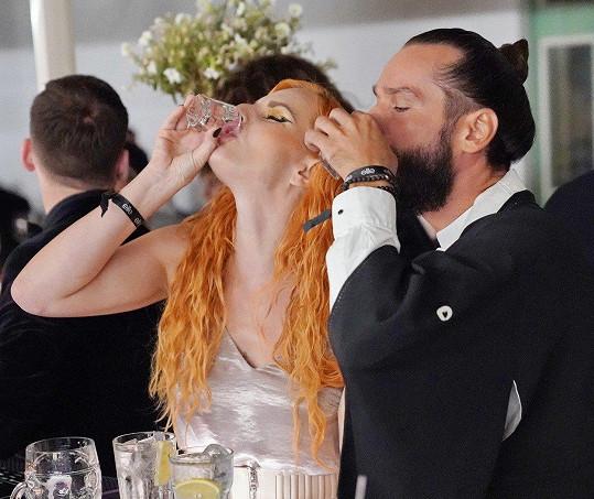 Iva Pazderková se posilnila tvrdým alkoholem.