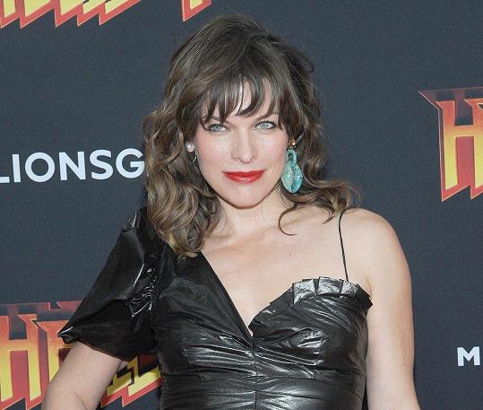 Milla Jovovich bude potřetí mámou.