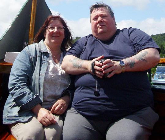 Chris a Lesley na fotce z roku 2011, kdy tvořili obézní pár.